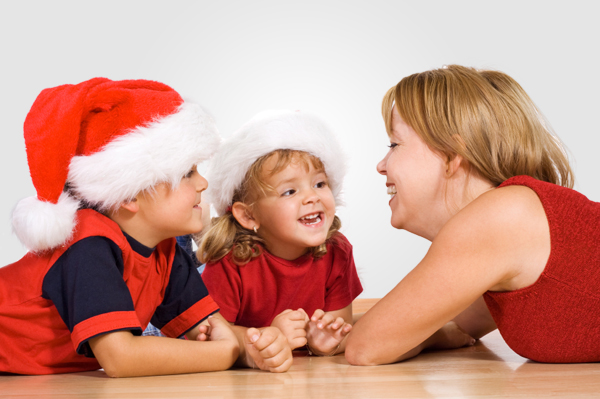mom-talking-kids-christmas